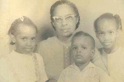 Olguita and grandchildren